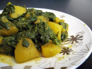Curry de pommes de terre aux épinards